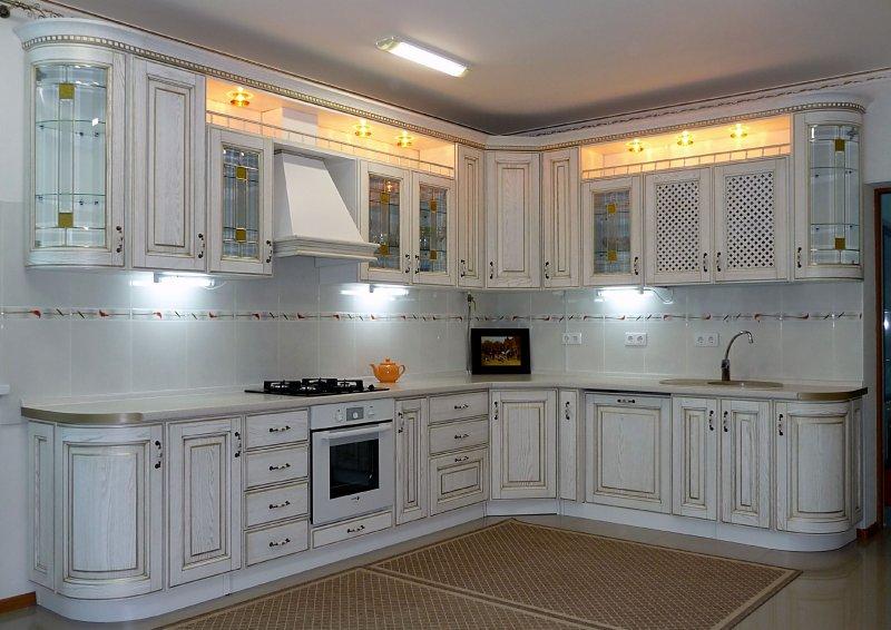 Белая кухня из массива дерева ''Соната Голд''
