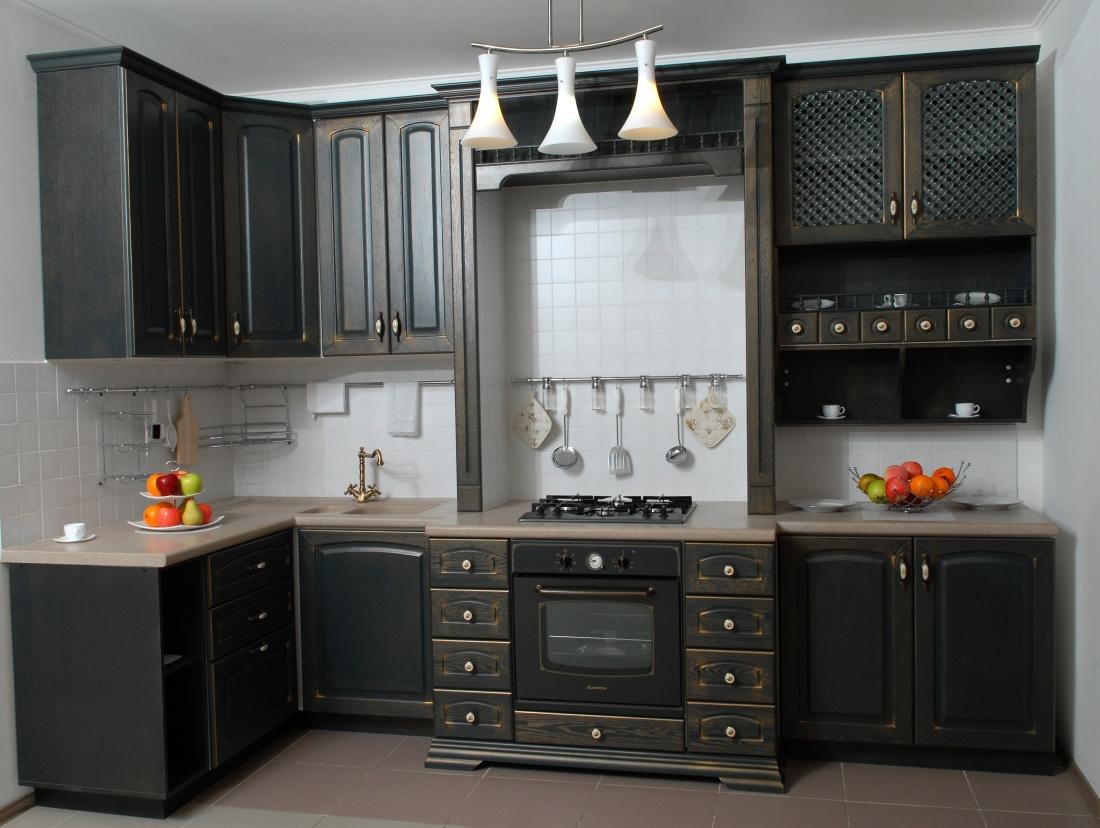 """Кухня массив """"В чёрном цвете"""""""