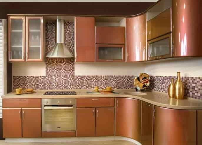 Кухня с фасадами крашеными эмаль металлик