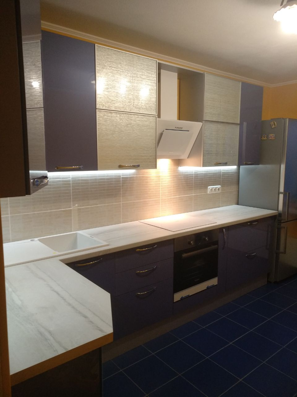 Кухня из пластика купить в Москве синий АГТ