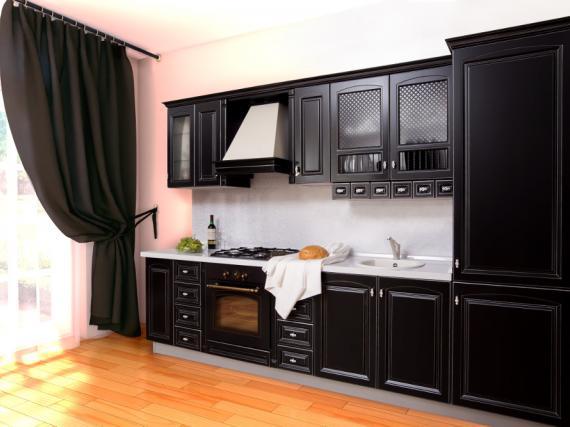 Прямая кухня из МДФ в эмали с патиной ''Черная классика''