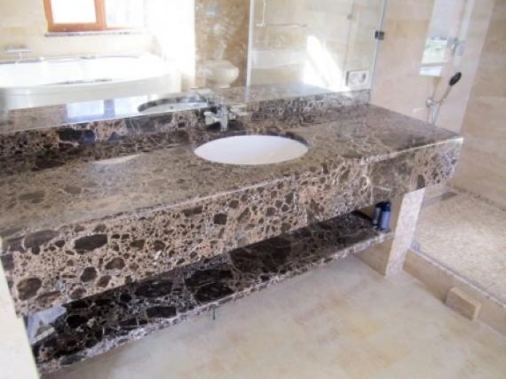 Столешница из редкого мрамора для большой ванной №12