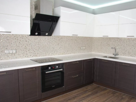 Угловая кухня МДФ пленка (низ венге, верх белый)
