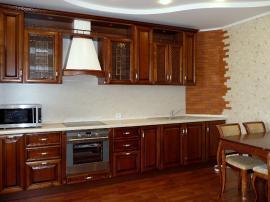 Деревянная кухня Соня с итальянскими фасадами натурального рыжеватого цвета