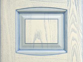 Фасад кухня массив молочный с голубой патиной с фрезеровкой двойной аркой