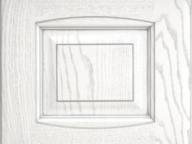 Фасад кухня массив молочный с серебряной патиной с фрезеровкой двойной аркой