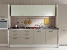 Кухня бежевый пластик со встроенным холодильником, прямая стильная модная кухня на заказ