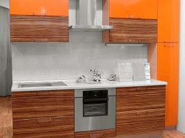Кухня дешевая в пленке ПВХ оранжевая с древесной текстурой