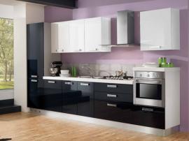 Кухня элегантная белая с черным МДФ в пластике