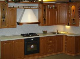 Кухня классическая массив дуба угловая удобная