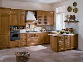 Кухня классическая МДФ в пленке ПВХ с островом и встроенным холодильником шикарная и недорогая СДК