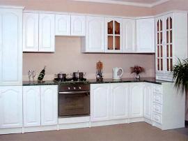 Кухня классика белая МДФ в пленке ПВХ с фрезеровкой угловая