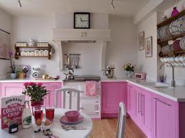 Кухня крашеные розовые фасады классическая нежная и красивая