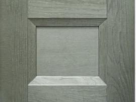 Кухня массив фасад серый с перламутром современный с прямой фрезеровкой