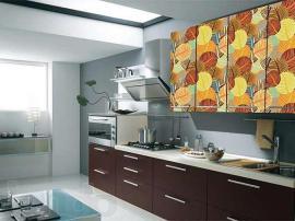 Кухня МДФ ПВХ немецкая с необычными цветными фасадами прямая