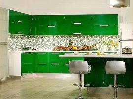 Кухня молодежная глянцевые фасады высокий глянец ярко зеленый стиль модерн