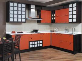 Кухня на заказ оранжевая в японском стиле с перегородками из массива
