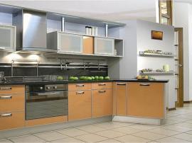 Кухня на заказ с выступом песочного цвета МДФ пластик