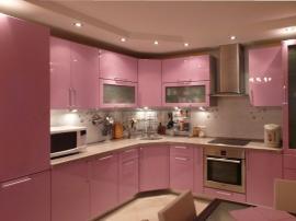 Кухня розовая эмаль угловая со встроенным холодильником и подсветкой