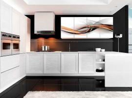 Кухня светлая с печатью на фасадах и беленым шпоном на заказ