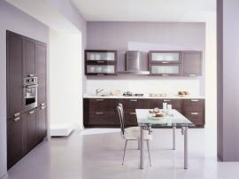 Сиена Венге современная кухня с фасадами из Италии из массива граба тонированного в цвет венге