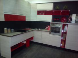 Современная кухня с итальянскими фасадами Капричио