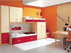Двухъярусная кровать в детскую комнату красного цвета на заказ в современном стиле