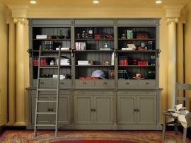Классическая библиотека в стиле кантри по индивидуальному проекту с крашенными фасадами оливкового цвета