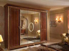 Классический шкаф с золотом и большим зеркалом из мДФ