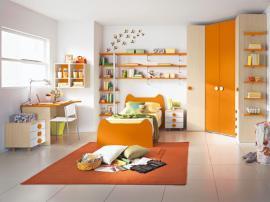 Оранжевая мебель для детской на заказ со встроенным шкафом