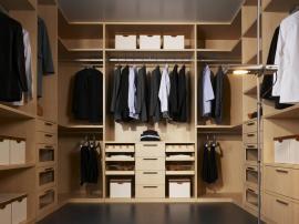Практичная и вместительная гардеробная выполненная по индивидуальному заказ