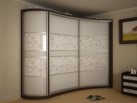 Современный матовый шкаф- купе на заказ с радиусной дверкой