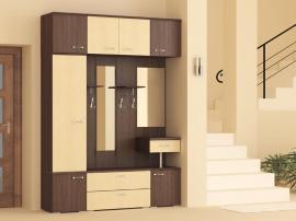 Встроенная практичная мебель в прихожую из МДФ венге с песочным цветом