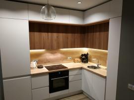Кухня в 3 яруса Cleaf и эмаль