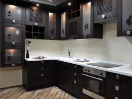 Чёрная кухня из массива дуба в японском восточном стиле