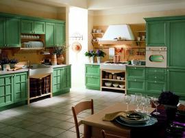 Зелёная кухня в стиле Прованс из массива дерева ''Кантри''
